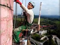 oprava plášta výškového komína horolezeckou technikou